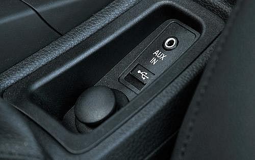 Штатный USB/AUX разъем BMW