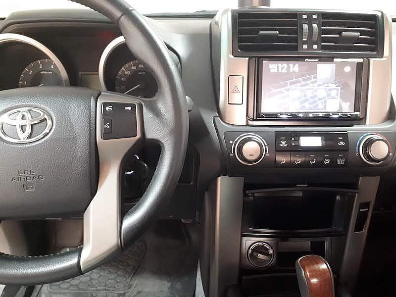замена штатной магнитолы Toyota Prado 150