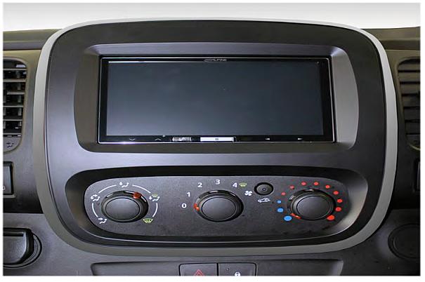 Замена штатной магнитолы Opel Vivaro 2014+ с переходной рамкой Connects2 CT23VX50